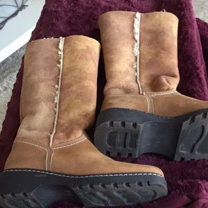 La Canadienne shearling boots for sale